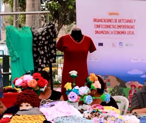 Venta de productos en ferias de Lima resulta un beneficio social y económico para artesanos y artesanas de provincia