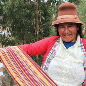 UNESCO y Congreso de la República Reconocen a Artesanas textiles